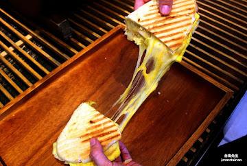 曜陽碳烤三明治