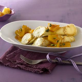 Pistazien - Mousse im Crepemantel und Ananas