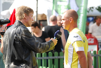 Photo: Swedish Television (Peter Jonsson) interviewing Jan Strandberg. Photo: Patric Fransson