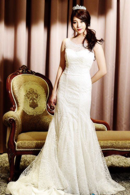 yura dress 28