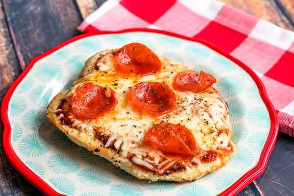 Air Fryer Chicken Pizza On A Plate.