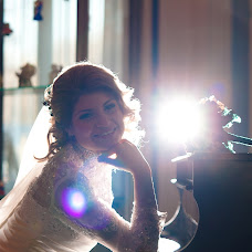 Wedding photographer Oleg Burkovskiy (LiveStory). Photo of 29.05.2015