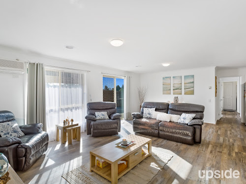 Photo of property at 4 Samuel Close, Bell Park 3215