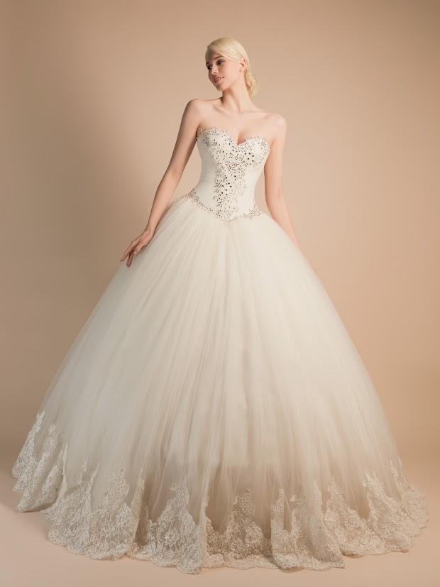 Robe de mariée Agathe, robe de mariée princesse en dentelle et strass