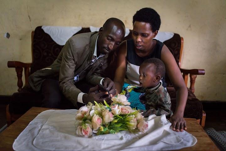 Retrato de Clementine com o marido e o filho.
