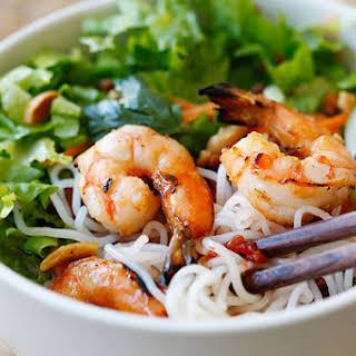 Vietnamese BBQ Shrimp Vermicelli Recipe (Bun Tom Heo Nuong).
