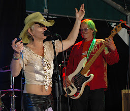 Photo: Kellie Rucker (US) & Band