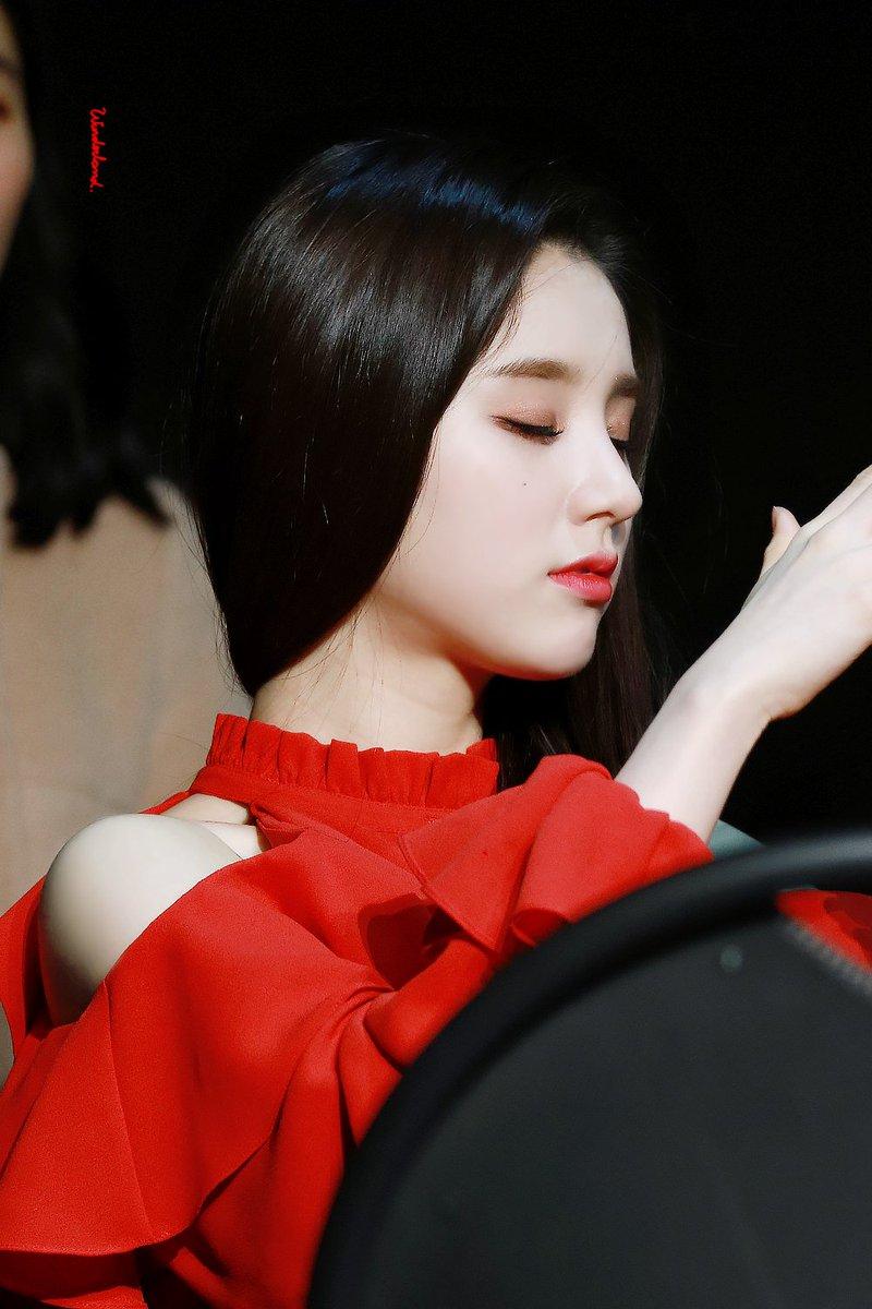 heejin profile 16