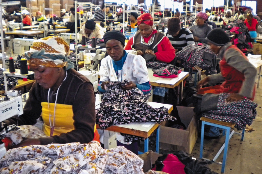 Clothing industry workers to get full pay during Covid-19 lockdown - Business Day