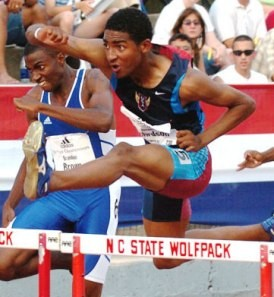 Jason Richardson winning the AOC 400H in 2004. Photo by John Dye.