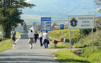 Photo: Útzár a határon