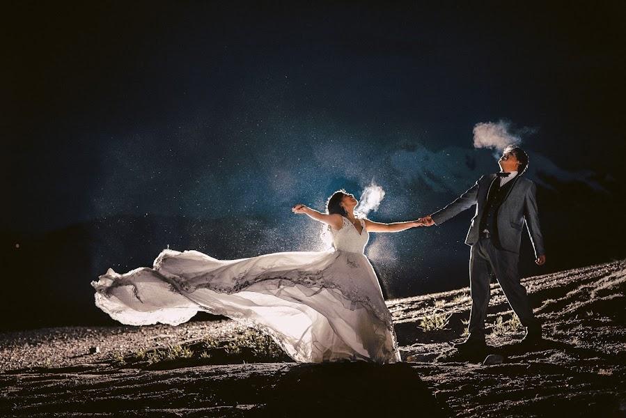 Wedding photographer Valery Garnica (focusmilebodas2). Photo of 18.10.2019