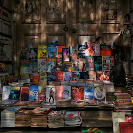 A touch of knowledge by Sayantika Saha - Novices Only Objects & Still Life ( books, mobilography, kolkata, college street, street photography )