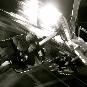 Amused by Ash Swetland - Instagram & Mobile iPhone ( ride, friends, amusement park, spinning, black and white, carnival, carnival ride, action shot, boys, spin, mobile )