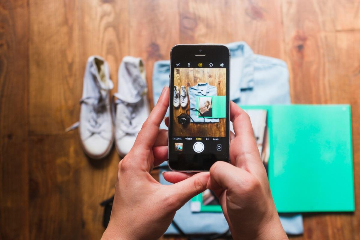 Saber como tirar boas fotos é muito importante para destacar seus produtos e vender online. (Foto: FreePik)