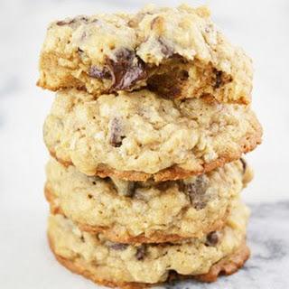 Cinnamon Spiced Oatmeal Chocolate Chip Cookies