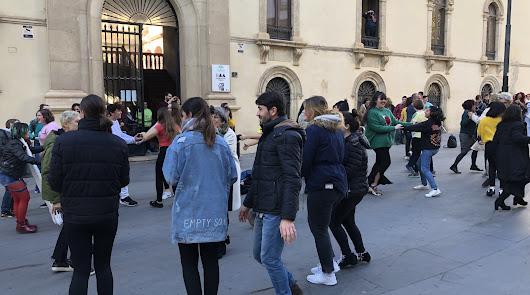 Una actuación en la Escuela de Artes para solidarizarse con los inmigrantes