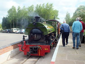 """Photo: 003 I got up to the main station in good time to capture the front end of the same train on the high level line, with ex-Harrogate Gasworks Peckett 0-6-0ST """"Harrogate"""", resplendent in Statfold Barn Railway leaf green livery and no.1 in the fleet, in charge"""