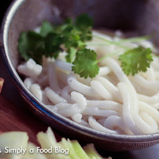 Making Our Own Vietnamese Rice Noodle – I meant it, the Noodle, not just the Soup
