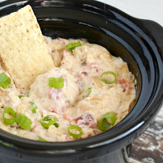 Spicy Slow Cooker Cheesy Bacon Dip