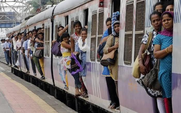 mumbai local compartments