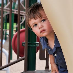 Hide and Seek by Rob & Zet Sample - Babies & Children Child Portraits ( KidsOfSummer )