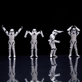 Dance like that ! by Projit Roy Chowdhury - Artistic Objects Toys