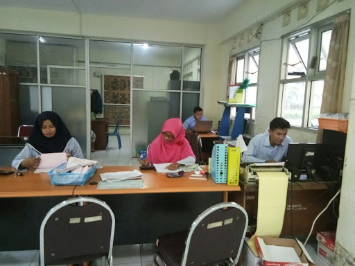 staf administrasi pengelola rusunawa dabag