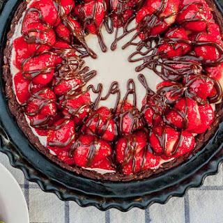 Strawberry Hazelnut No Bake Cheesecake