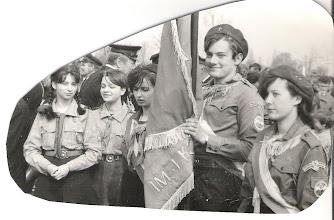 Photo: Obchody 1 Maja 1984r. Od lewej: Agnieszka Wrzosek, Agnieszka Kędziora (Wojciuk), Iza Popowska( Szymańska), Jurek Zwoliński, Ewa Brzozowska .
