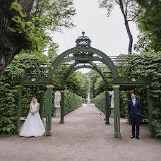 Wedding photographer Natasha Labuzova (Olina). Photo of 25.12.2015