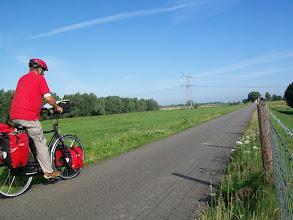 Photo: 1e Dag, donderdag 16 juli 2009 Duiven - Meerbush ,Dag afstand: 105 Totaal gereden : 106 km. 2 km van huis. Op de Rijndijk naar Pannerden.