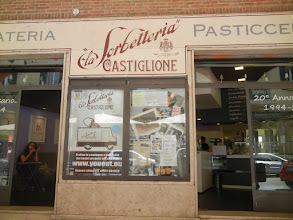 Photo: One of our favorite gelaterie, the one down on Via Castiglione. We visited it several times ...