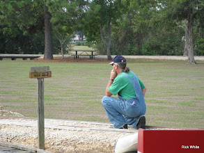 Photo: Ken Smith watching the signal - did not turn red correctly.  HALS RPW  2009-0905