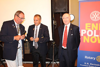 Photo: Surprising: PHF +1Saphier for George Keller, FCS President 2003-2009, presented by Governor Yves Kerkhoeve/France and Frederic Moline.