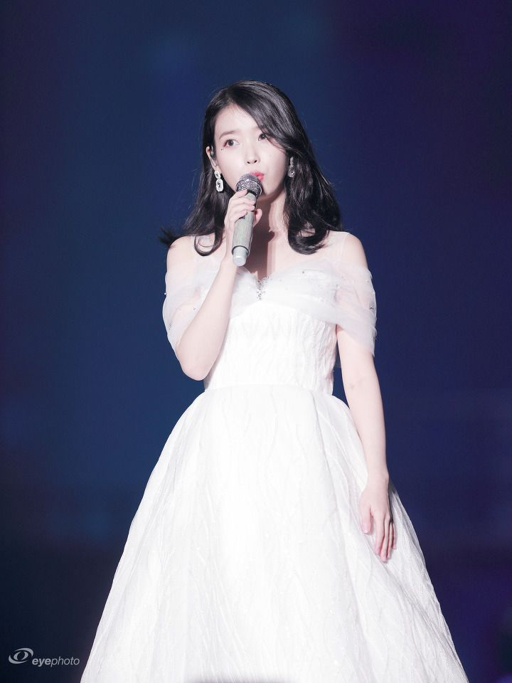 iuwhitegowns_10th anniversary concert 2018 2 b