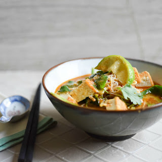 TOFU, SPINACH & GREEN BEAN LAKSA