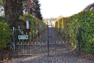 Photo: ingang kerkhof