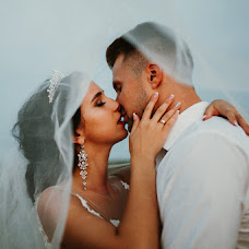 Wedding photographer Vitaliy Shmuray (shmurai). Photo of 19.08.2018