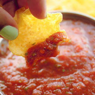 Quick and Easy Restaurant Style Salsa