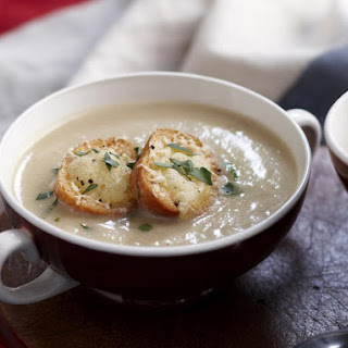 Creamy Fennel and Potato Soup with Cheesy Croutons
