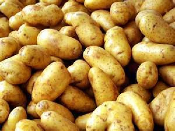 Clean and wash potatoes