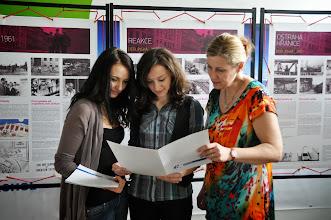 Photo: Vernisáž k výstavě věnované historii Berlínské zdi (vestibul školy, čtvrtek 23. květen 2013).