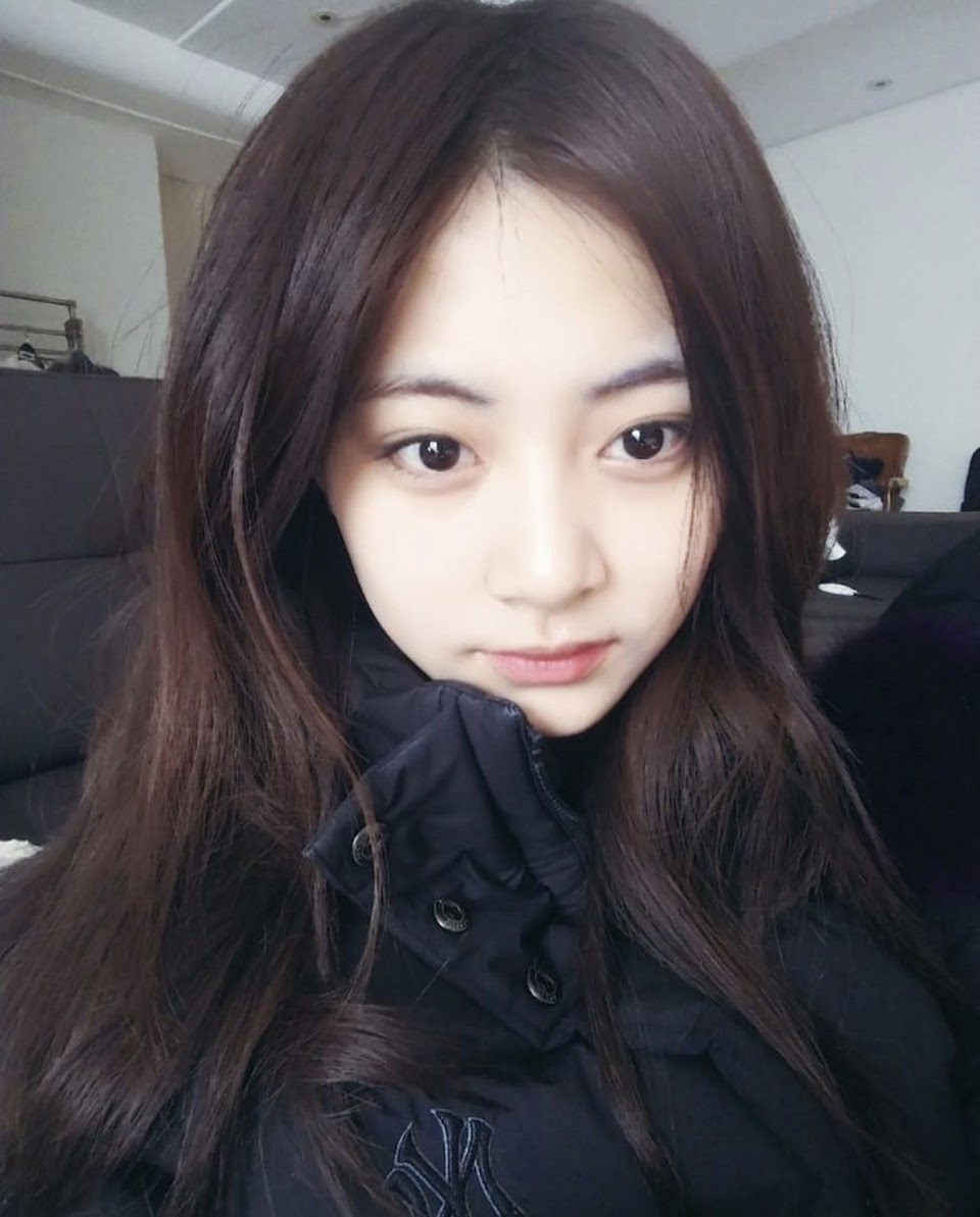 tzuyu bare face