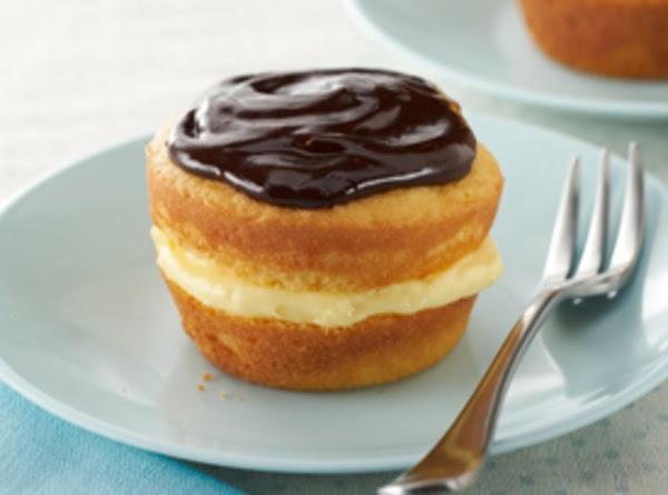 TO MAKE CUPCAKES: 1pkg. (2-layer size) yellow cake mix 1pkg. (3.4 oz.) JELL-O Vanilla Flavor Instant...