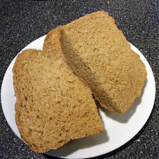 New England Anadama Bread (for bread machines).