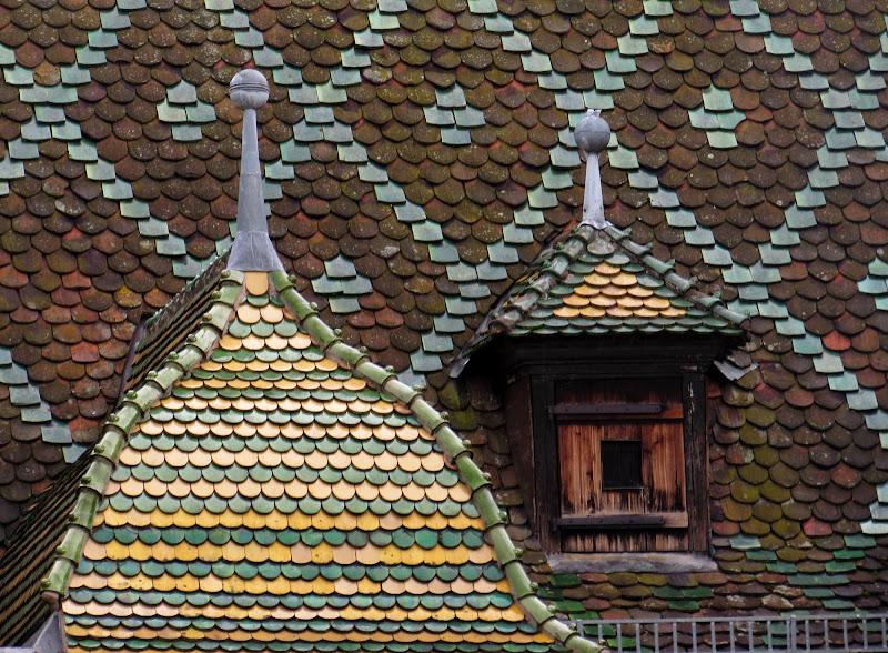 Tetto, tettuccio, tettino di Giorgio Lucca