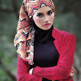 beautiful of hijab by Muhammad Indrohatro - People Fashion