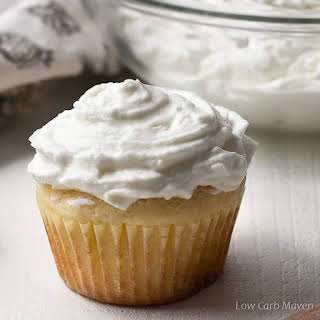 Whipped Cream Cheese Frosting (sugar-free, low carb).