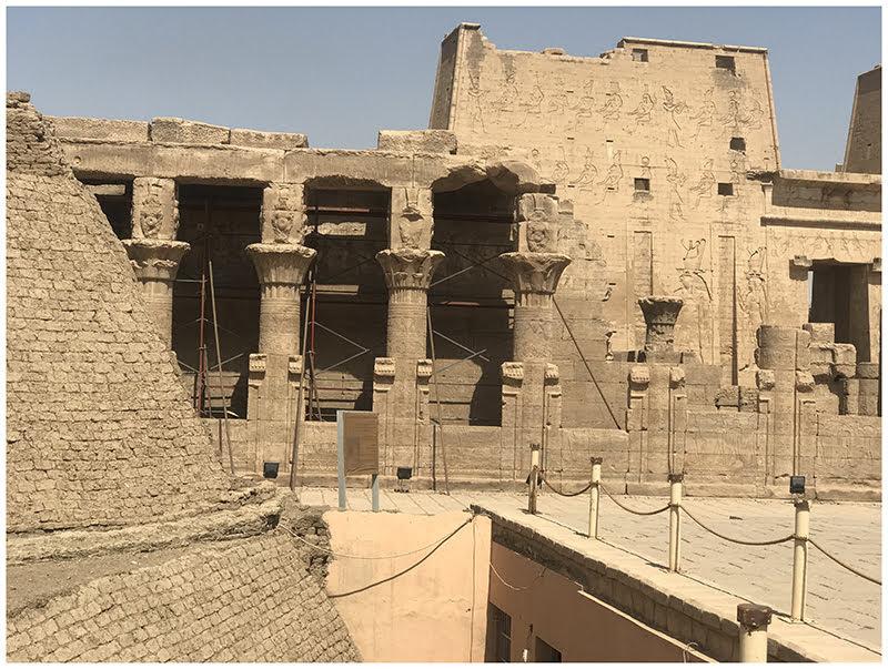 Edfu temple 3